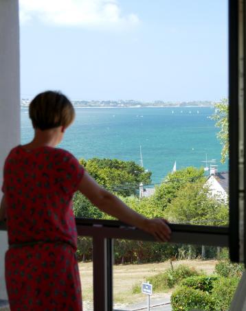 La Villa des Aloès propose une belle vue sur mer dans de nombreuses pièces.