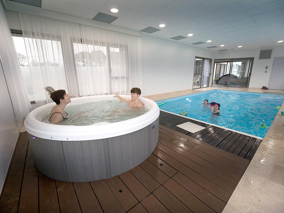 Spa-jacuzzi et piscine chauffée